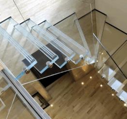 Прочные стеклянные лестницы и стеклянные ограждения
