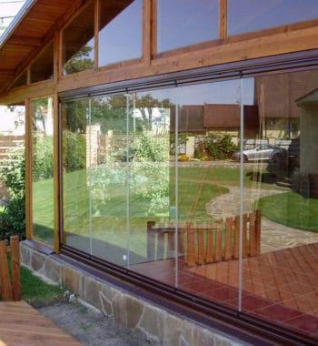 Веранда с панорамными окнами