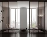 Современная и практичная дверь из стекла
