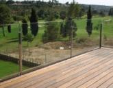 Терраса из стекла – современное и практичное решение