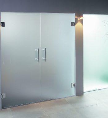 Матовые двери из стекла