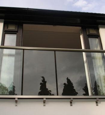 Стеклянные перила для балконов
