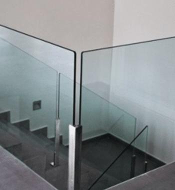 Портфолио стеклянных ограждений и лестниц