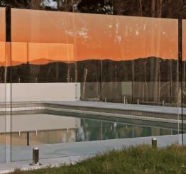 Ограждение из стекла — комфорт и безопасность вашего бассейна