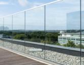 Проектирование и монтаж стеклянных ограждений